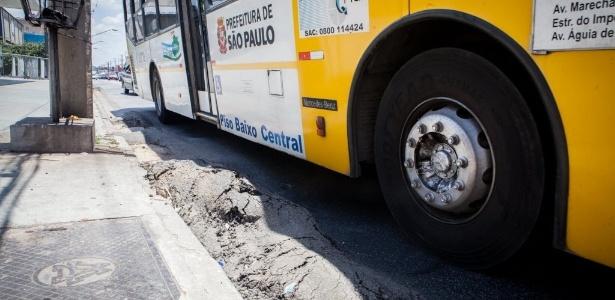 Ônibus provocam ondulações em diversas vias da capital paulista