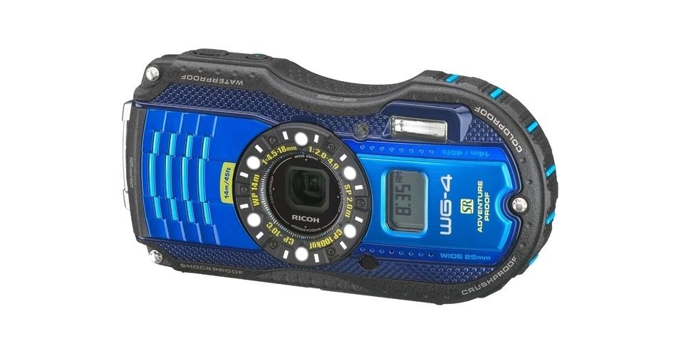6.fev.2014 - Para aqueles em busca de uma câmera à prova de aventura, a Ricoh lançou uma opção reforçada. O modelo WG-4 pode ser mergulhado até 13 metros, é à prova de poeira, choques, peso, além de aguentar temperaturas de até -10°C. A câmera tem sensor de 16 megapixels, zoom óptico de 4 vezes, lente com abertura de F2-4.9 e visor LCD de 3 polegadas. As vendas terão início nos EUA em março. Preço: US$ 300 (R$ 786)