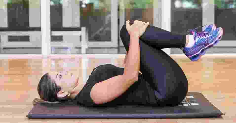 Exercícios para evitar as dores nas costas - Rodrigo Capote/UOL. Agradecimento: Academia Bio Ritmo