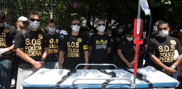 Policiais federais fazem manifestação em SP no dia 11 de fevereiro: nova greve e denúncia contra segurança da Copa