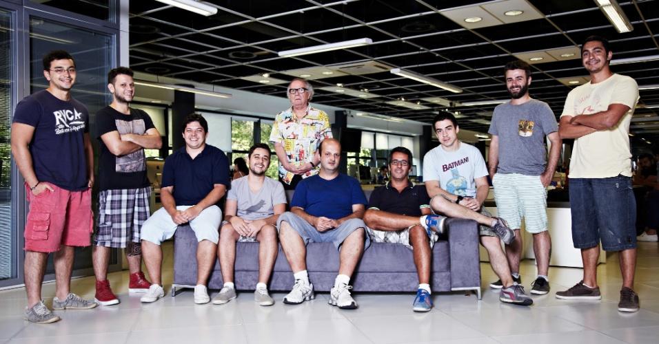 06.fev.2014 - Funcionários da agência de publicidade WMcCann foram autorizados a usar bermuda durante o verão
