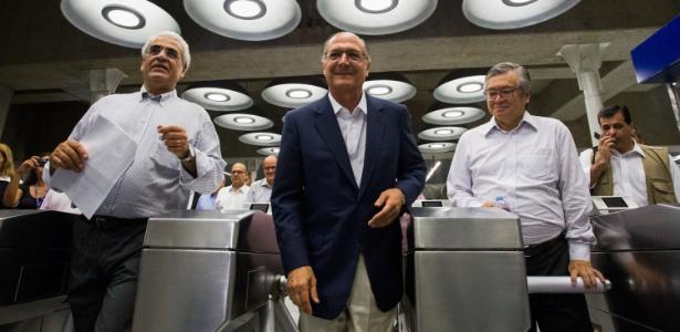 """Em fevereiro, governador Geraldo Alckmin (PSDB) """"inaugurou"""" a estação Adolfo Pinheiro, mas ela só entra em operação neste sábado (2)"""