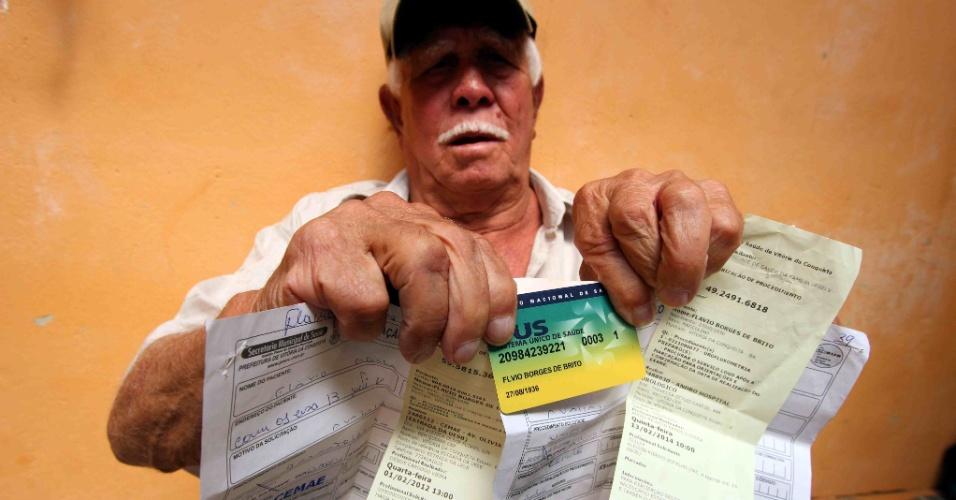 13.fev.2014 - O aposentado Flávio Borges de Brito, 77, que teve exame agendado no SUS para quatro anos depois em Vitória da Conquista, na Bahia