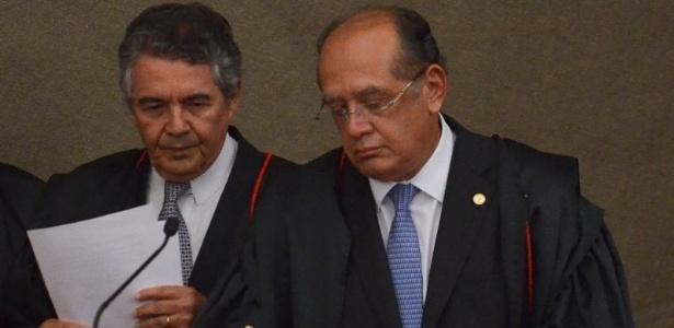 """Marco Aurélio Mello (à esq.) diz que o Congresso deveria disciplinar o alcance do número de autoridades com foro, já Gilmar Mendes afirma que o momento não é """"oportuno"""""""