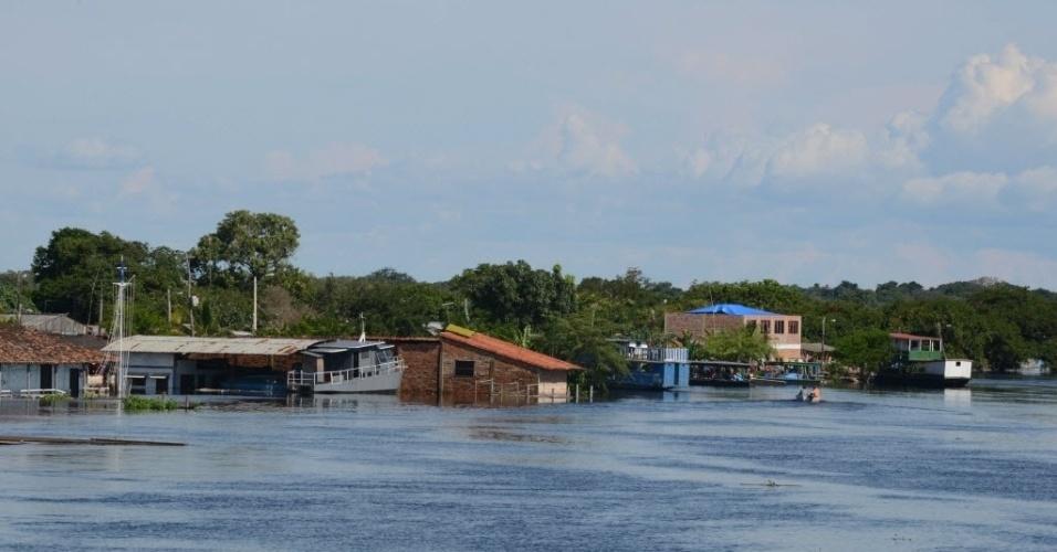 18.fev.2014 - Área afetada pelo transbordamento do rio Mamoré em Puerto Barador, na Bolívia. O governo boliviano declarou estado de emergência devido às chuvas no país, que já causaram a morte de 56 pessoas e afetaram mais de 58 mil casas