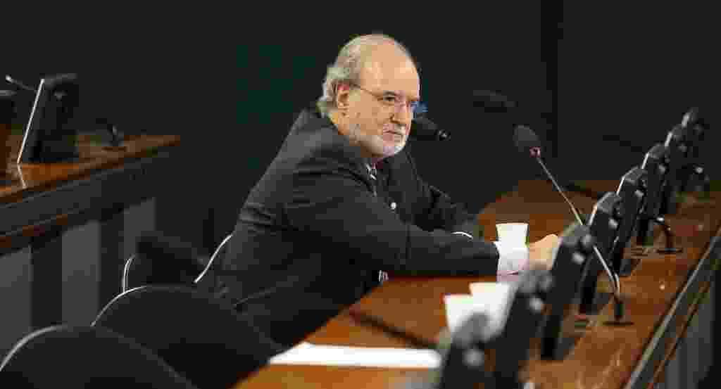 19.fev.2014 - O Deputado Eduardo Azeredo (PSDB-MG) deixou seu mandato nesta quarta-feira (19), dias após seu pedido de condenação por envolvimento em esquema de corrupção em campanha eleitoral de 1998 - Sergio Lima/Folhapress