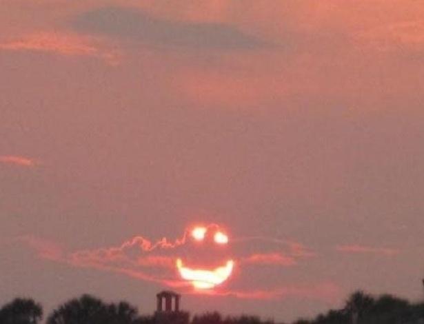 19.fev.2014 - O sol se despedindo cheio de alegria