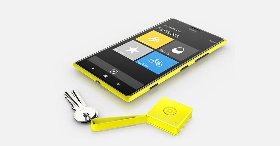 19.fev.2014 - A Nokia lançou um gadget que promete não deixar o usuário esquecer mais objetos de valor. Trata-se do Treasure Tag. Ele é uma espécie de chaveiro que mede 3 x 3 x 1 cm, que funciona com as tecnologias Bluetooth ou NFC. Caso o usuário perca, por exemplo, a chave anexa ao gadget, basta ele fazer uma busca em um aplicativo que ele será mostrado em um mapa