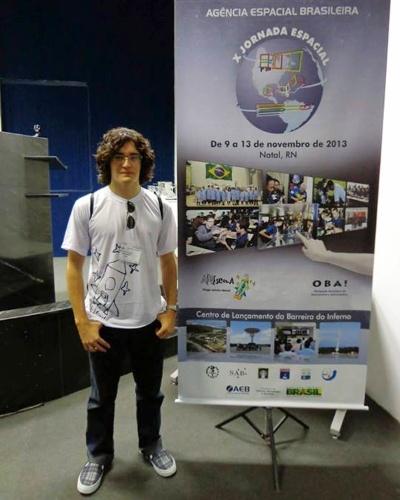 Luiz Fernando Leal Gomes, 19, vai estudar engenharia espacial nos EUA