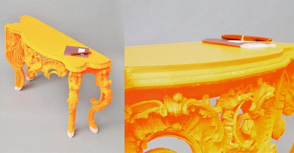 Na imagem, um mesa feita pela impressora 3D BigRep, produzida pela companhia alemã de mesmo nome. Voltado para estúdios de criação e escritórios, a impressora tem 1,3 m3 de volume (1.147x 1.000 x 1.188 mm) e permite fazer peças maiores, como móveis. O equipamento tem preço sugerido de US$ 39 mil e as primeiras unidades começarão a ser entregues a partir de abril em Berlim (Alemanha)
