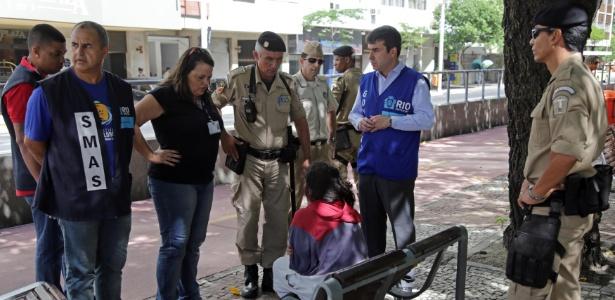 Nos bairros de Copacabana e Leme, os agentes da prefeitura e PMs tinham como foco principal o recolhimento de moradores de rua