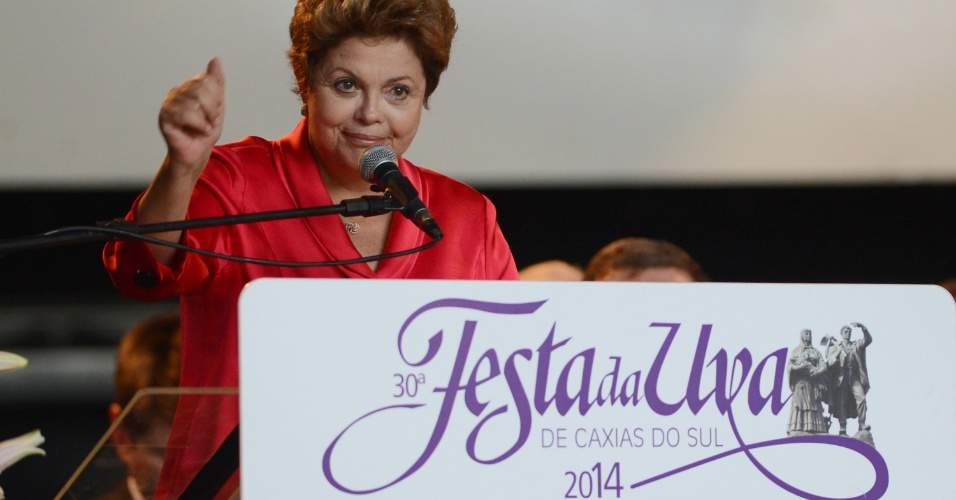 20.fev.2014 - A presidente Dilma Rousseff participou da cerimônia de abertura da 30ª edição da Festa Nacional da Uva, realizada no Parque de Eventos, em Caxias do Sul, nesta quinta-feira (20)