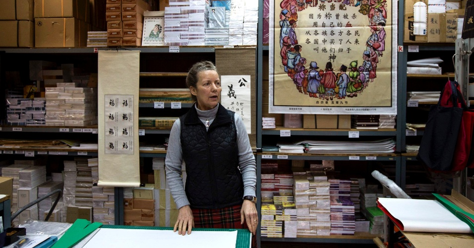 20.fev.2014 - Karen Short, esposa do missionário australiano John Short, concede entrevista em livraria cristã em Hong Kong nesta quinta-feira (20). John Short foi preso enquanto realizava um trabalho missionário na Coreia do Norte, conta sua esposa, tornando-se o segundo missionário cristão estrangeiro a ser detido no país