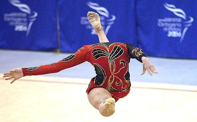 Atleta russa perde a cabeça em competição
