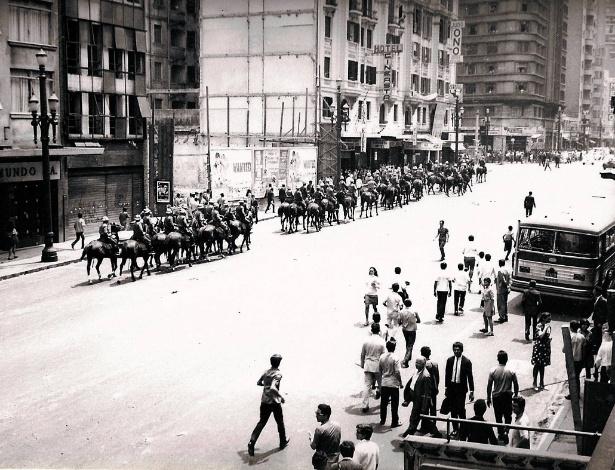 Você Manda  internautas lembram dia do golpe de 1964 e o regime militar -  Política a56f4bbb200cb