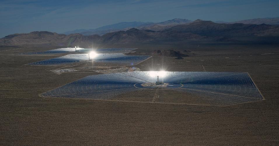 O ''Gizmodo'' relatou nesta semana uma polêmica envolvendo a usina solar: o sistema mata pássaros com seus altíssimos níveis de calor, que podem chegar a 573ºC. Isso já era esperado entre os efeitos colaterais do projeto