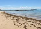 Após banhistas serem internados, praia de Búzios (RJ) continua interditada - Zilna Cabral/Agência O Dia/ Estadão Conteúdo