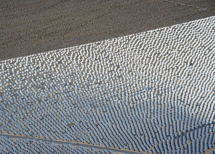 Segundo os responsáveis pelo projeto - entre eles o Google -, essa forma de gerar eletricidade evita a emissão de milhões de toneladas de dióxido de carbono e outros poluentes. ''Seria equivalente a tirar 70 mil carros das ruas'', diz o site oficial do projeto, explicando a quantidade de poluentes que deixa de ser produzida