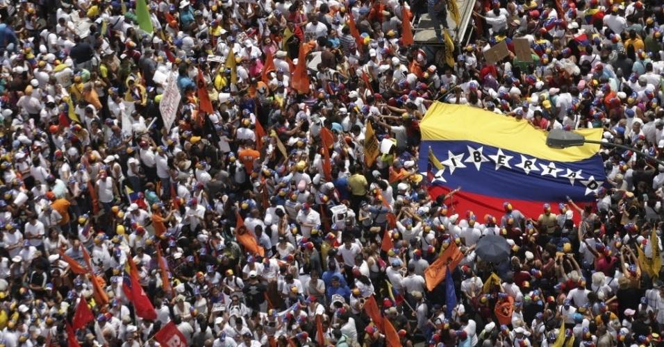 Resultado de imagem para PARTIDÁRIOS DO GOVERNO DE MADURO PROTESTAM CONTRA OEA EM CARACAS