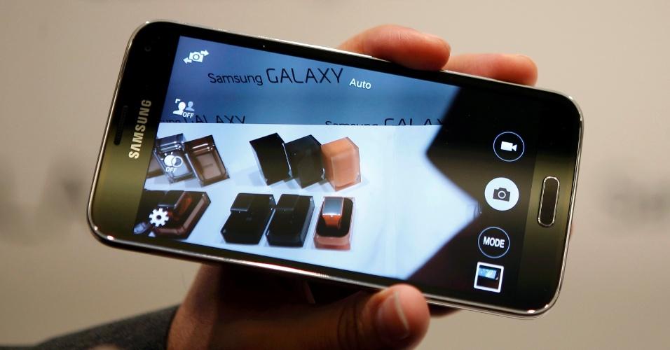 Detalhe do aplicativo da câmera do smartphone Galaxy S5, da Samsung. O aparelho tem uma câmera traseira de 16 megapixels e uma frontal de 2,1 megapixels