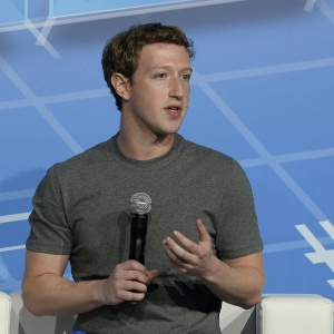 Mark Zuckerberg discursa durante o Mobile World Congress 2014