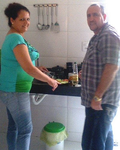 Isidro Rosales Castro, 49, e Esperanza Anabel Dans Leon, 48, formam um casal de profissionais cubanos que vieram atuar no programa Mais Médicos