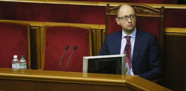 O novo primeiro-ministro da Ucrânia, Arseni Yatseniuk, no Parlamento do país, em Kiev