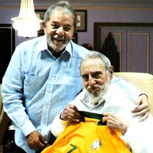 Registro do encontro do ex-presidente Lula com Fidel Castro, em Cuba, em 2014