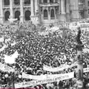 Ato pela Anistia no Rio de Janeiro em 1982 - memoriasreveladas.arquivonacional.gov.br/Arquivo Nacional
