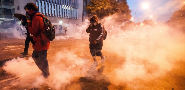 Guarda Nacional dispersa manifestantes com gás lacrimogêneo durante protesto em Altamira