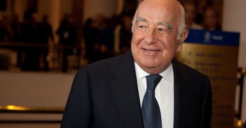 """O banqueiro Joseph Safra, 75, tem fortuna estimada em US$ 16 bilhões. No ranking da revista """"Forbes"""", ele é o segundo mais rico do Brasil e o 55º mais rico do mundo"""
