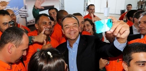 Cabral foi preso no âmbito da Operação Lava Jato sob acusação de chefiar esquema de recebimento de propina