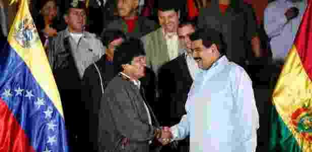 Em 2014, o presidente da Venezuela, Nicolás Maduro (à dir.), se reuniu com o presidente boliviano, Evo Morales (à esq.), no palácio de Miraflores, em Caracas (Venezuela)  - Xinhua
