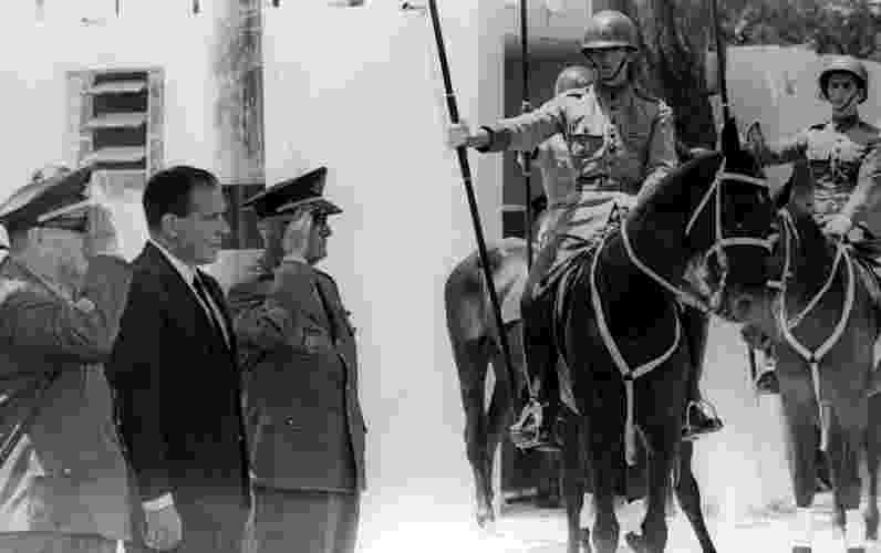 O ex-presidente João Goulart (PTB), mais conhecido como Jango, deposto da Presidência da República pelo golpe militar de 1964, na Vila Militar do Rio de Janeiro em maio de 1965 - Acervo Última Hora