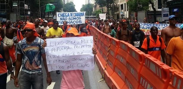 Garis tomam a avenida Rio Branco em passeata no Rio de Janeiro, nesta sexta-feira (7) - Hanrrikson de Andrade/ UOL