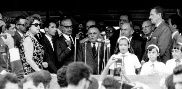 O então presidente Humberto Castello Branco (Arena) discursa durante visita a São Paulo, em 1966