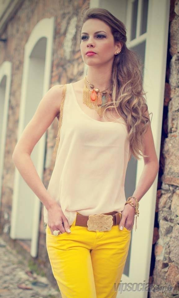 9.mar.2014 - Mais uma bela candidata catarinense é confirmada no Miss Mundo Brasil 2014, como representante da Ilha de Porto Belo. Priscielle Carraro, estudante de design de moda, 23, 1,76 m, é a Miss Ilha de Porto Belo e vai disputar o título de Miss Mundo Brasil 2014 defendendo a bandeira barriga verde