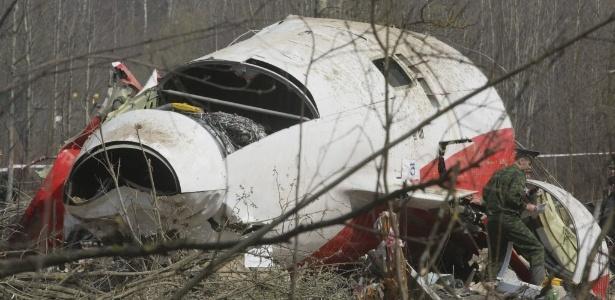 Um Tupolev 154 caiu perto do aeroporto russo de Smolensk no dia 10 de abril de 2010, matando todas as 96 pessoas a bordo. O avião levava o presidente da Polônia, Lech Kaczynski, a primeira-dama, Maria Kaczynski, e diversas autoridades do governo