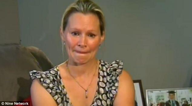 """12.mar.2014 - Danica Weeks afirmou que seu marido, Paul, deixou para ela sua aliança de casamento e um relógio """"caso algo acontecesse"""", momentos antes de embarcar no voo da Malaysian Airlines que desapareceu no sábado (8)"""