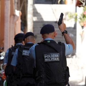 O policiamento em todo o complexo da Penha foi reforçado após a morte do tenente - Márcia Foletto / Agência O Globo