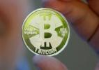 Bitcoin cai para US$ 10 mil, metade do preço máximo, com preocupações regulatórias - Jim Urquhart/Reuters