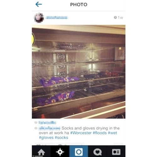 19.mar.2014 - A britânica Alice Sykes, 25, publicou no Instagram uma foto que exibia suas meias dentro do forno da lanchonete onde trabalha (uma franquia da rede Subway em Worcester). Na legenda, ela escreveu: ''Meias e luvas secando no forno do trabalho''. As hashtags davam a entender que a jovem tinha tomado chuva. A funcionária não foi demitida e se recusou a comentar o caso