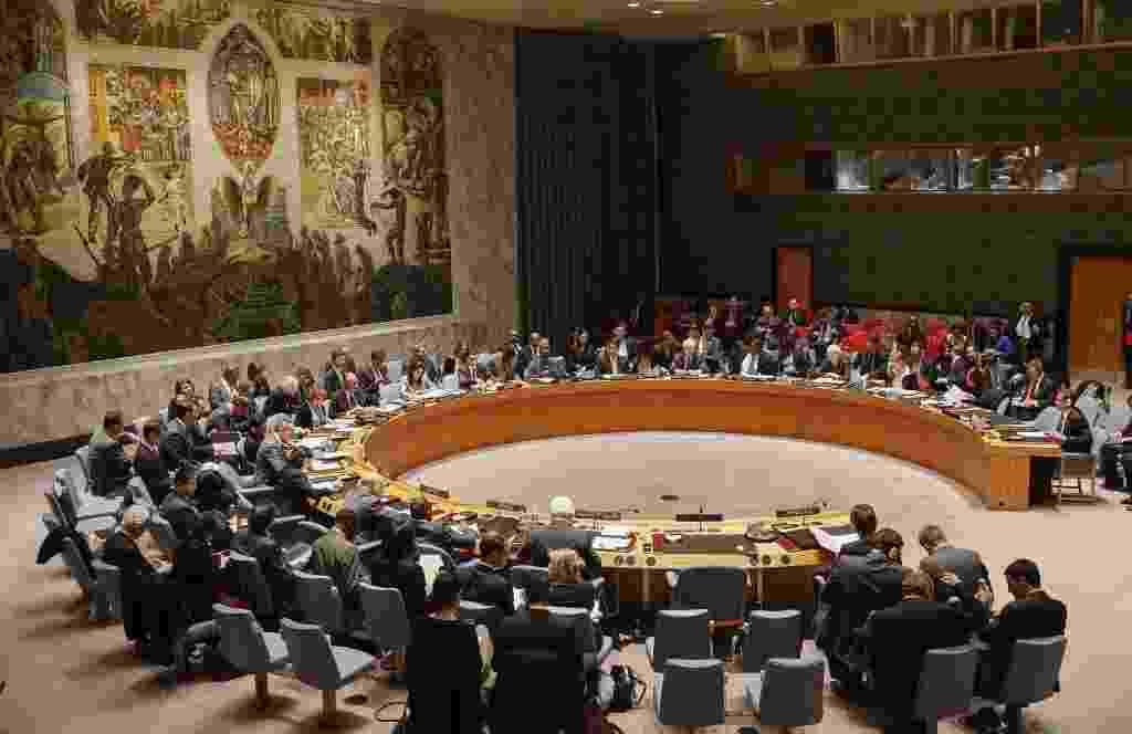 19.mar.2014 - Os membros do Conselho de Segurança das Nações Unidas se sentaram durante uma reunião sobre a crise na Ucrânia, na sede da ONU em Nova York, nos Estados Unidos, nesta quarta-feira (19) - Shannon Stapleton/Reuters