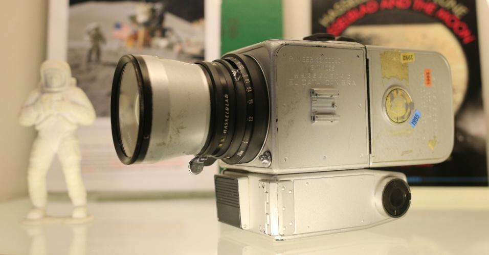 22.mar.2014 - CÂMERA LUNAR - A única câmera de fotos da Nasa que voltou à Terra após várias missões Apollo na Lua entre 1969 e 1972 foi leiloada neste sábado, em Viena, por 760.000 dólares (550.000 euros), superando seu preço estimado