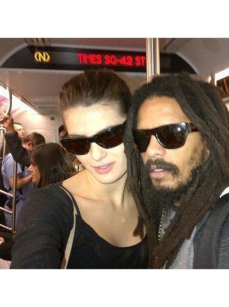 A Isabeli Fontana e Rohan Marley no metrô de Nova York, em 2011, quando namoravam