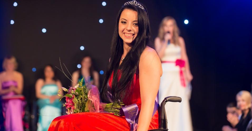 23.mar.2014 - A húngara Fanni Illes venceu o concurso de beleza Miss Cadeira de Rodas Internacional em Budapeste, na Hungria. Um total de oito candidatas de seis países --Hungria, Romênia, Bósnia, México, Bolívia e Ucrânia-- participou da final do certame