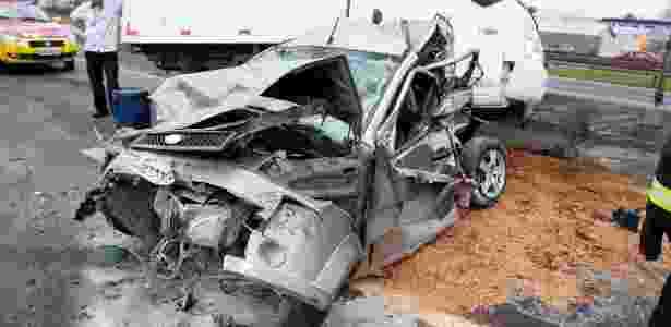 Um acidente envolvendo um carro, uma van e um caminhão de pequeno porte no km 230 da rodovia Presidente Dutra provocou um enorme congestionamento - Mario Ãngelo/Sigmapress/Estadão Conteúdo