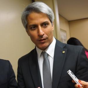 Deputado Alessandro Molon (Rede-RJ) afirmou que seria preferível que o relator escolhido fosse de outro partido que não o de Temer