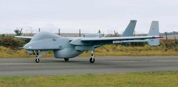 Drone israelense é capaz de voar 37 horas ininterruptas, cobrindo uma área de mais de mil quilômetros quadrados. O aparelho pode fotografar e filmar pessoas ou objetos no solo de uma altura de até 10 km - Divulgação/Polícia Federal