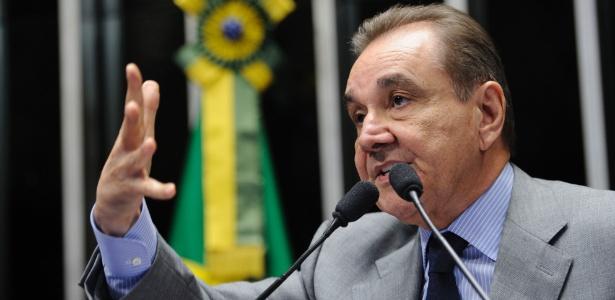 28.mar.2014 - José Agripino Maia, ex-governador do RN e presidente do DEM